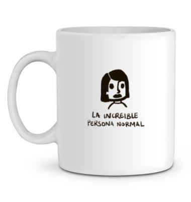 taza blanca con ilustracion la increible chica normal